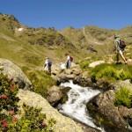 Diez beneficios de hacer senderismo