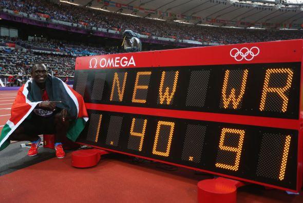 El keniata David Rudisha asombró al mundo del deporte con su récord mundial en los JJOO de Londres 2012.