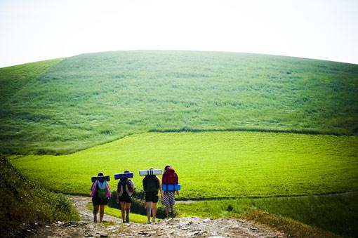 Hacer deporte, conocer gente o reforzar la amistad, hay muchas razones para hacer el Camino de Santiago.