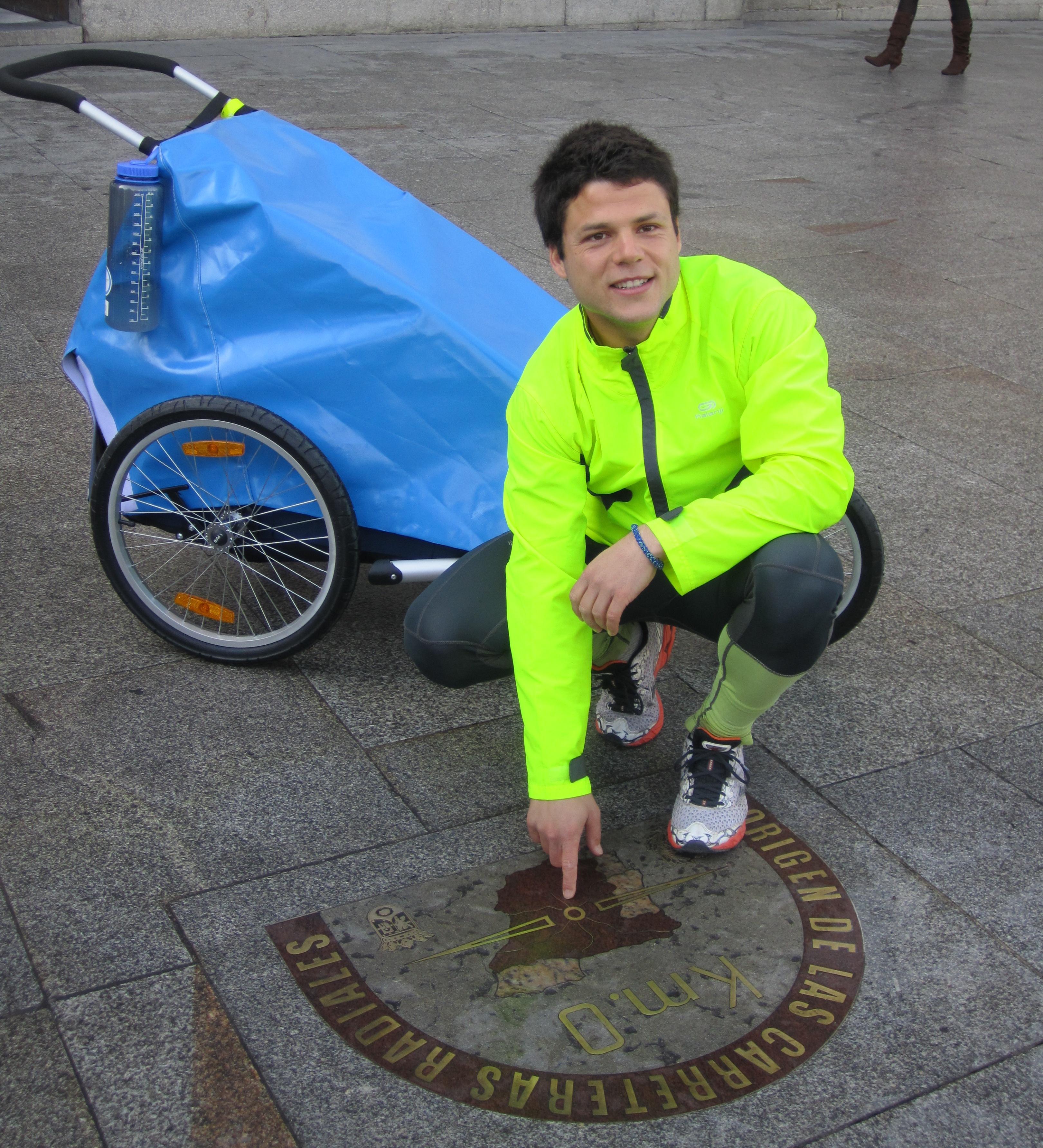 Ignacio Dean comenzó su sueño desde el kilómetro cero de la madrileña Puerta del Sol (Foto: estrelladigital.es)