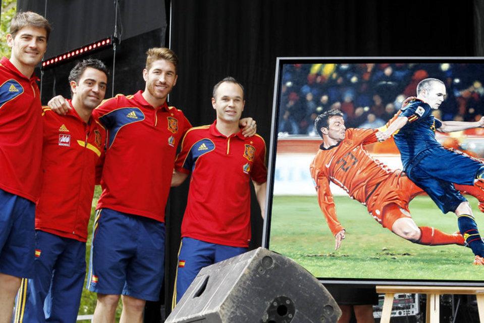 Pese a sus éxitos con sus clubes y la selección, Iniesta, Xavi y Ramos no han podido aún obtener el codiciado balón de oro.
