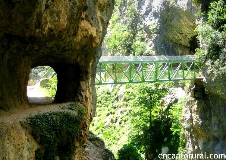 La Ruta del Cares une las provincias de León y Asturias.