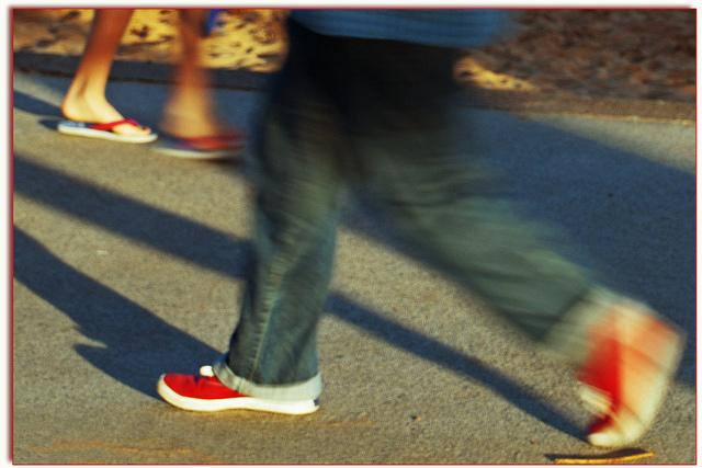 Caminar una hora todos los días después de una comida ayuda a coger tipito. (Foto: Leonard John Matthews)