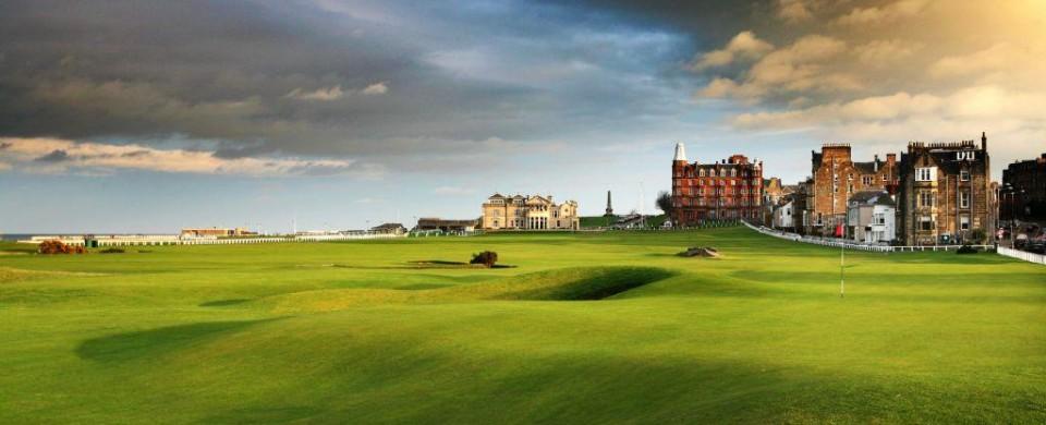 El Old Course de St. Andrews es uno de los campos de golf más espectaculares del mundo.