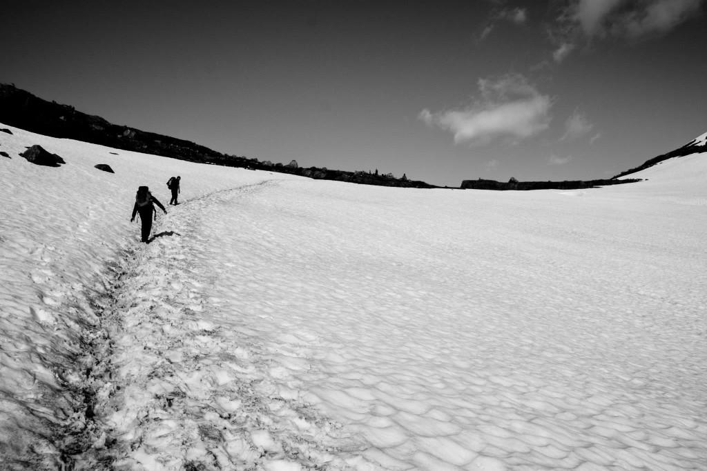 Seguramente te encontrarás nieve durante el recorrido, pero nada que tus ansias de aventura no puedan superar. (Foto: Víctor Fernández-Peñaranda)