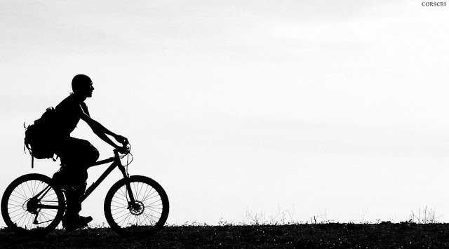 Montar en bicicleta alarga y facilita la vida. (Foto: Corscri Daje Tutti! [Cristiano Corsini], de Flickr)