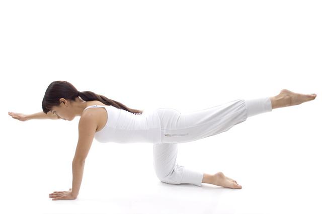 El Pilates ayuda a corregir la postura o a fortalecer la espalda.