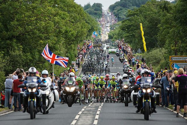 La familia ciclista disfruta de tres semana juntos durante el Tour de Francia 2014. (Foto: adambowle, de Flickr)