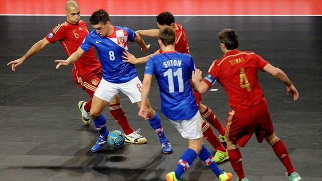 Un lance de un partido de España contra Croacia durante el europeo de 2014.