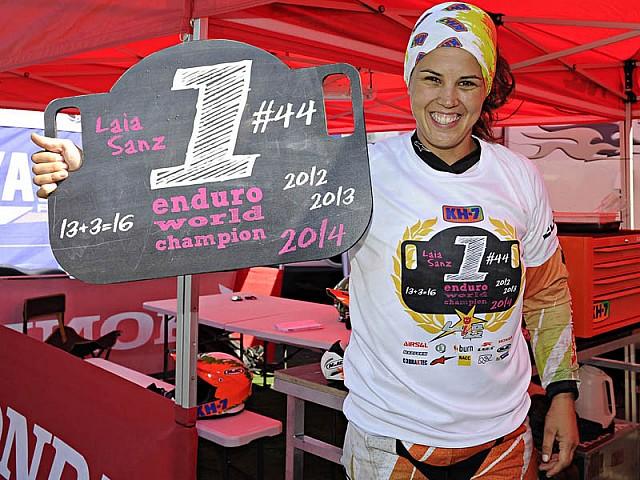 Laia Sanz presume de ser número 1 también en Enduro.