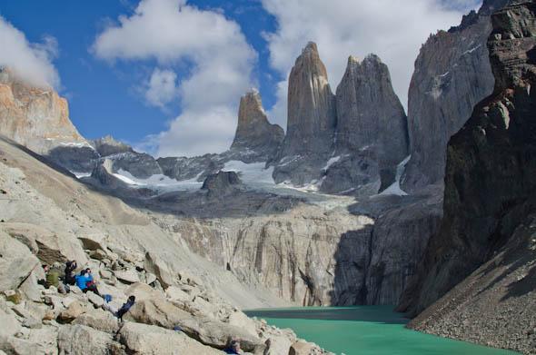 La majestuosidad de Las Torres del Paine te deja boquiabierto nada más llegar.