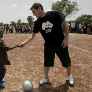 Iker Casillas solidario