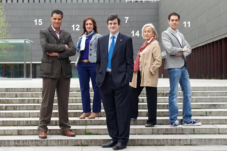 Prudencio Induráin, primero por la izquierda, también decidió dar el salto a la política autonómica en 2011.