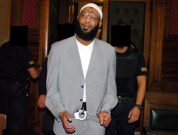 El ex futbolista tunecino Nizar Trabelsi cumple condena por su pertenencia a Al Qaeda.