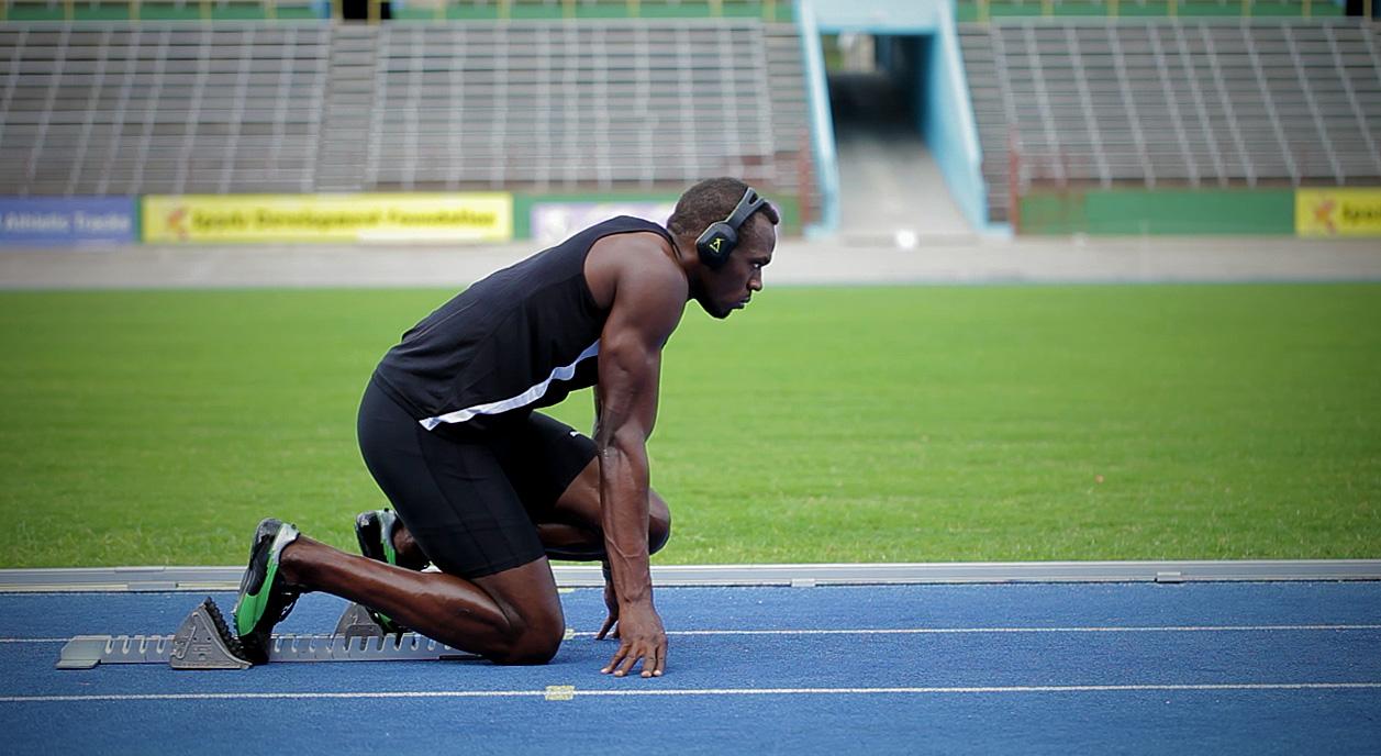 Para Usain Bolt la música es uno de los rituales previos a sus deslumbrantes actuaciones.