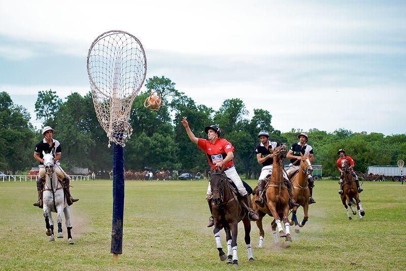 El Pato está considerado oficialmente como el deporte nacional de Argentina.