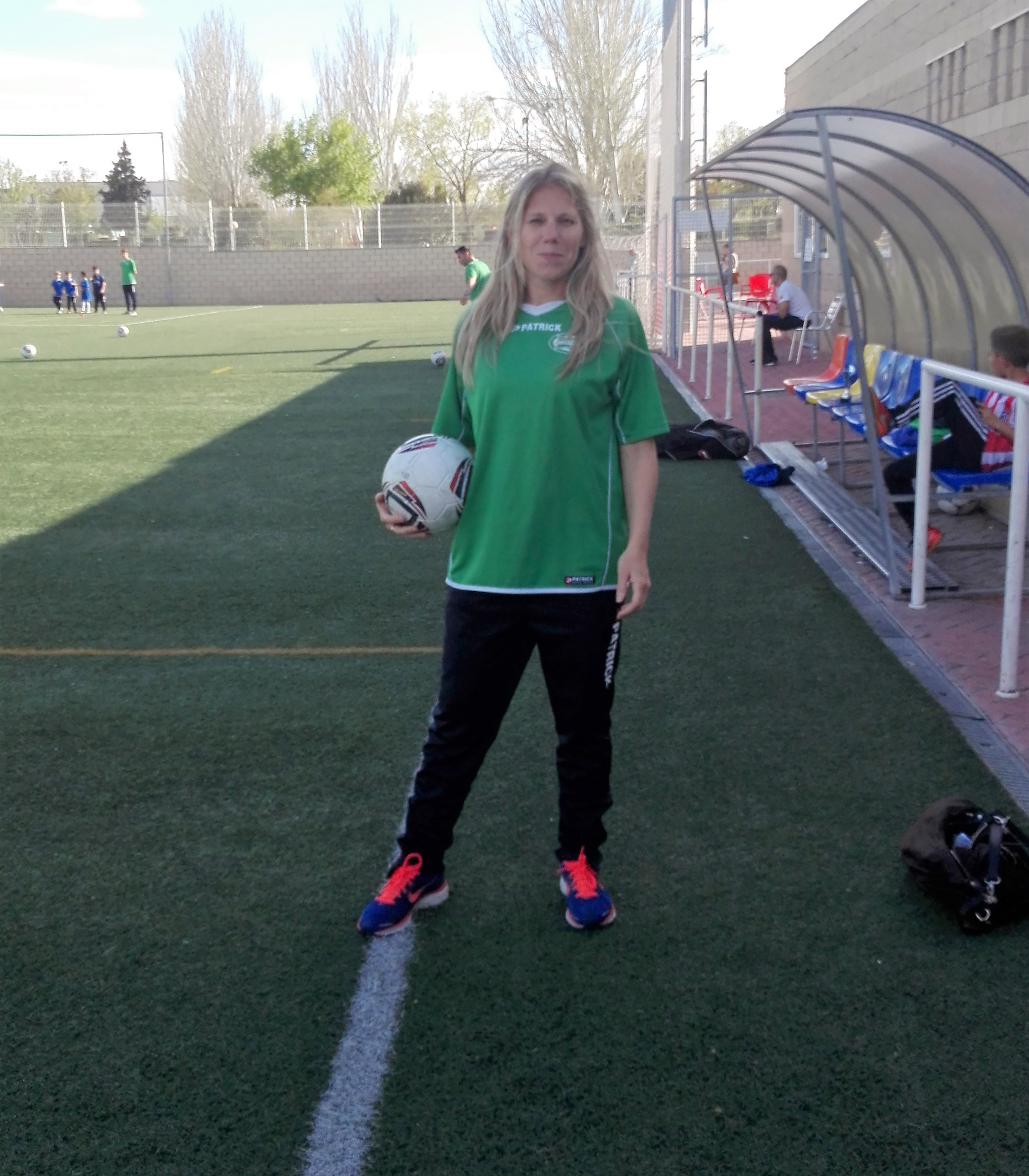 La vida de Isabel siempre ha estado ligada al fútbol y espera que así continúe.