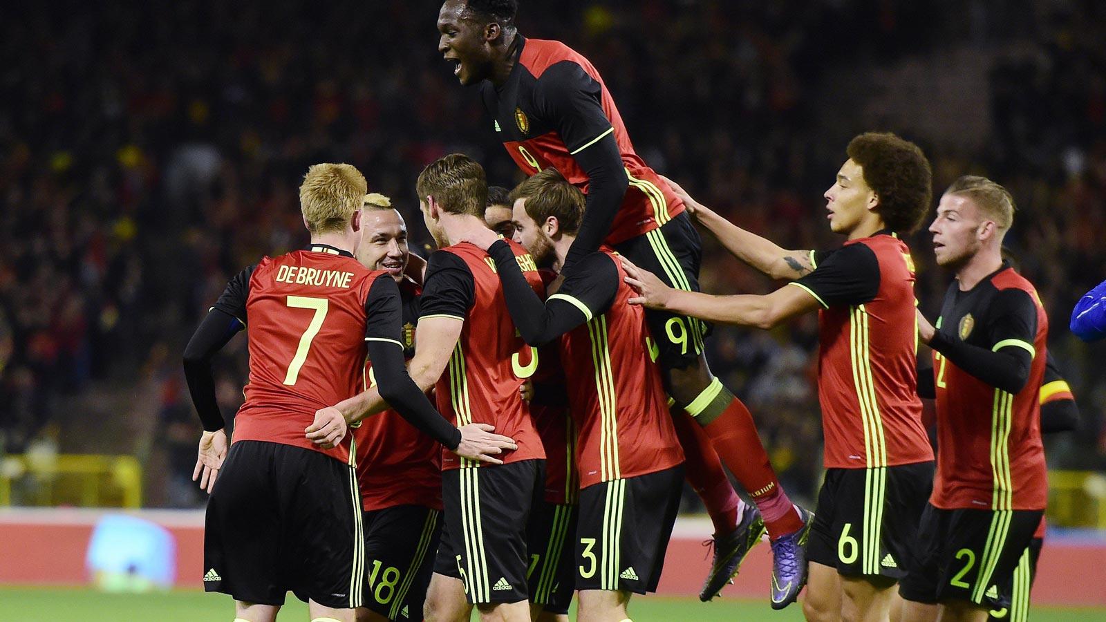 """Los """"Red Devils"""" belgas aspiran a sorprender a Europa con su juego rápido y creativo."""